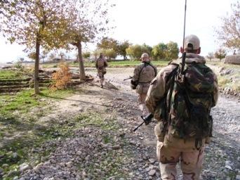 Patrouille in de buurt van Camp Hadrian, Deh Rawod